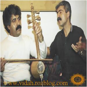 ناصر رزازی در کنار فرج علیپور،خواننده و آهنگساز لری